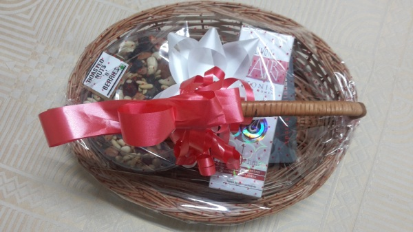 Complementary Hamper with Goodies