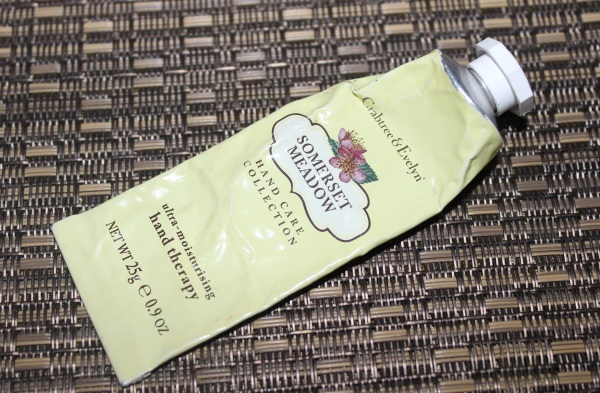 Crabtree & Evelyn Somerset Meadow Ultra Moisturizing Hand Therapy Review